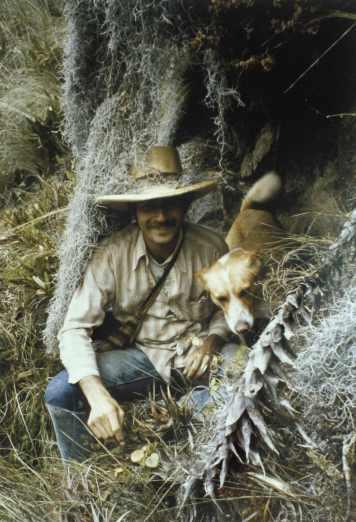 el botanico Timothy Plowman y su perrito Pogo, Sacha Runa